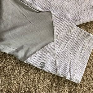 Lululemon Crop Leggings, 6, Silver Grey Stripe